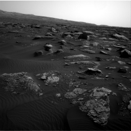 Nasa's Mars rover Curiosity acquired this image using its Right Navigation Camera on Sol 1648, at drive 90, site number 62
