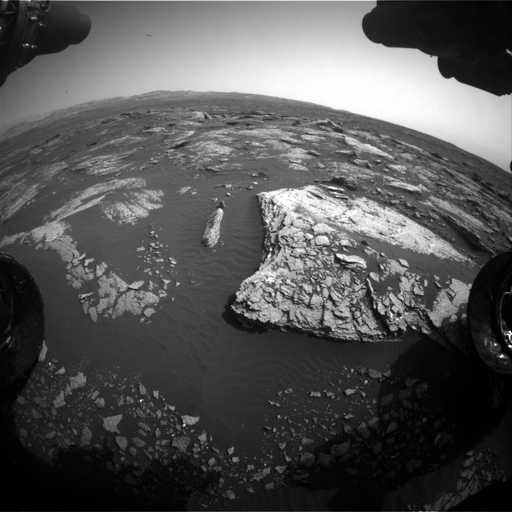 Nasa's Mars rover Curiosity acquired this image using its Front Hazard Avoidance Camera (Front Hazcam) on Sol 1662, at drive 660, site number 62