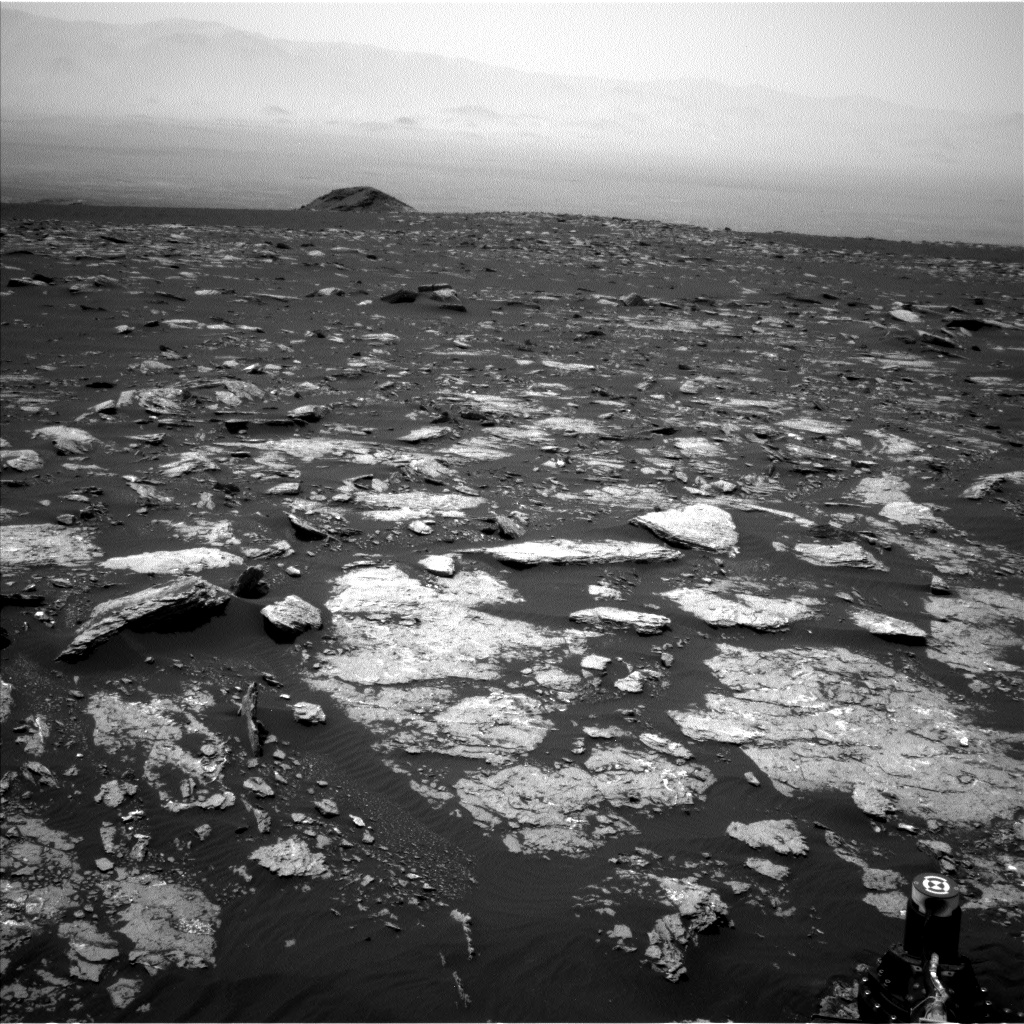 Nasa's Mars rover Curiosity acquired this image using its Left Navigation Camera on Sol 1666, at drive 786, site number 62