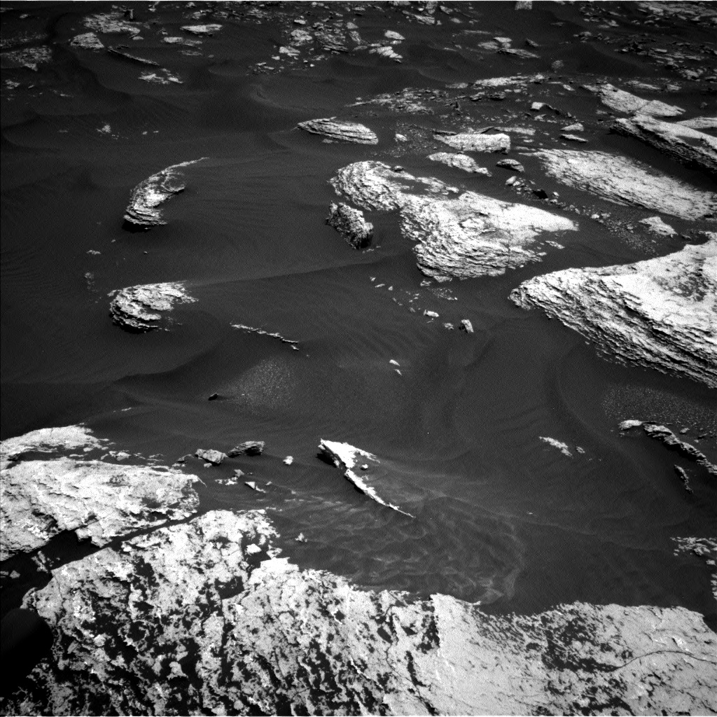 Nasa's Mars rover Curiosity acquired this image using its Left Navigation Camera on Sol 1673, at drive 1344, site number 62