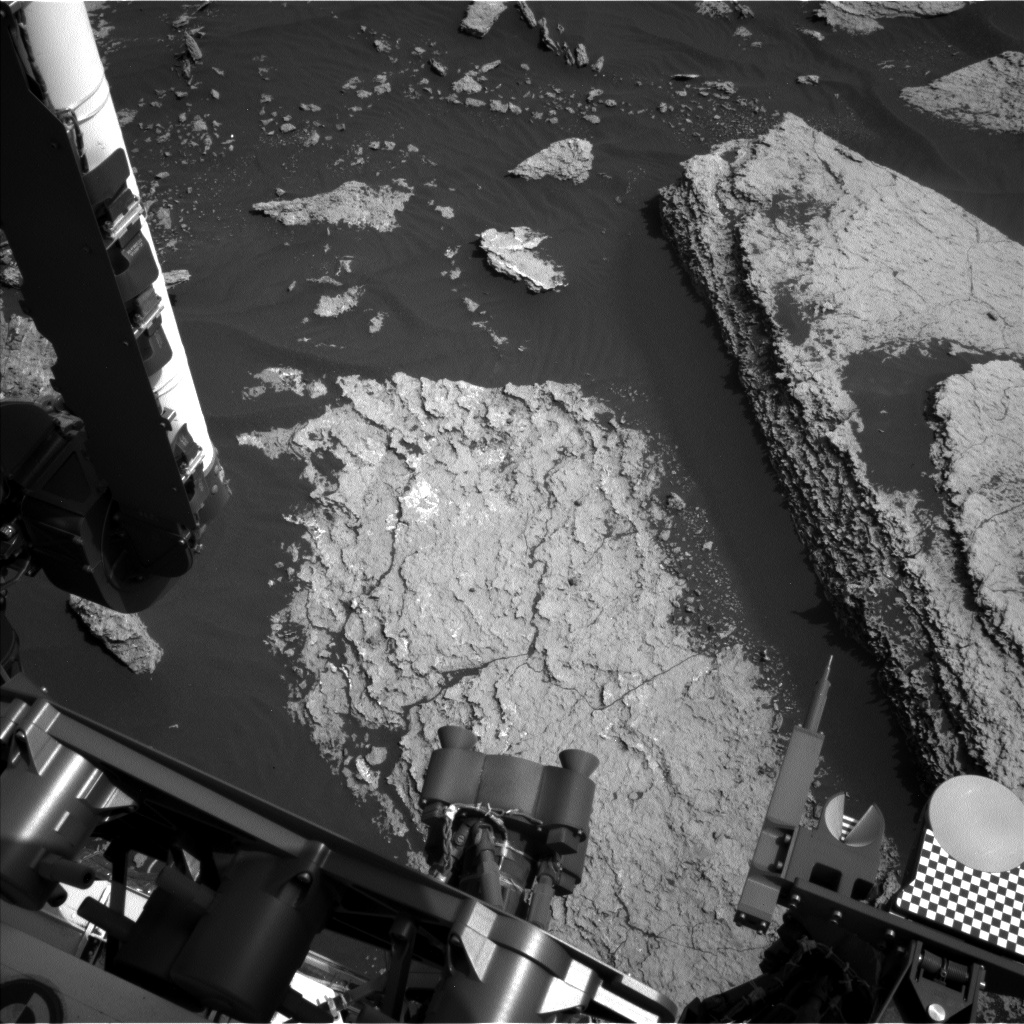 Nasa's Mars rover Curiosity acquired this image using its Left Navigation Camera on Sol 1673, at drive 1386, site number 62