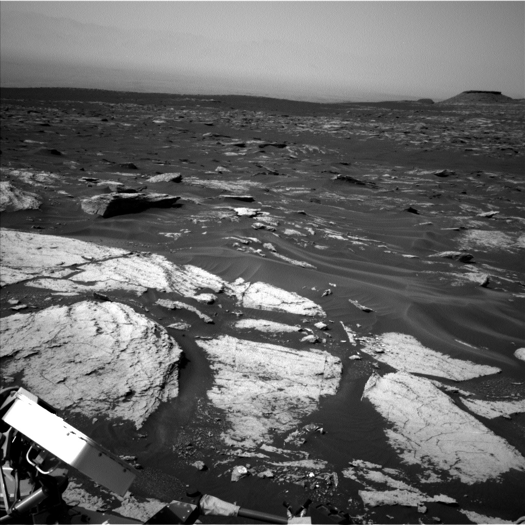 Nasa's Mars rover Curiosity acquired this image using its Left Navigation Camera on Sol 1680, at drive 2452, site number 62