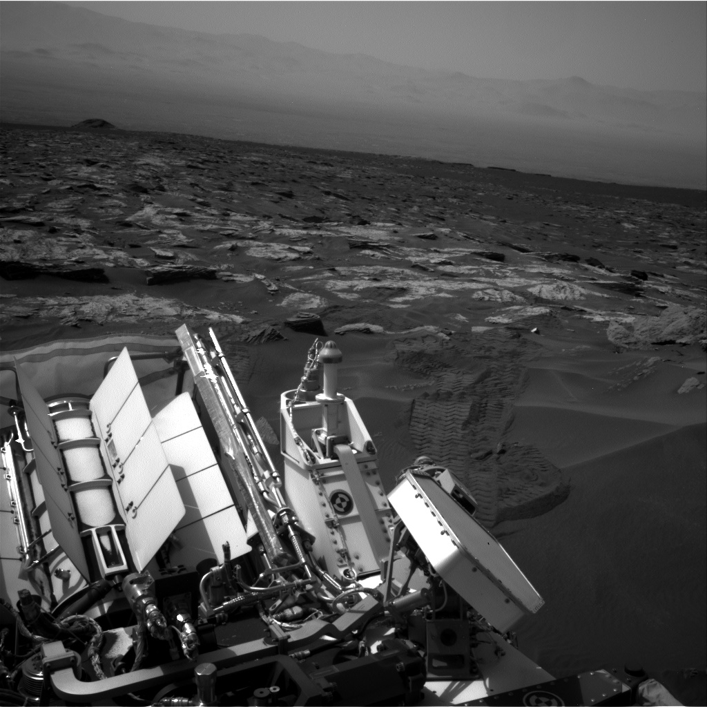Nasa's Mars rover Curiosity acquired this image using its Right Navigation Camera on Sol 1686, at drive 3350, site number 62