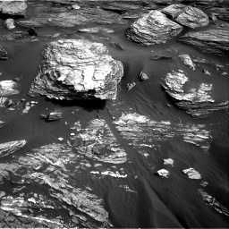 Nasa's Mars rover Curiosity acquired this image using its Right Navigation Camera on Sol 1689, at drive 3422, site number 62