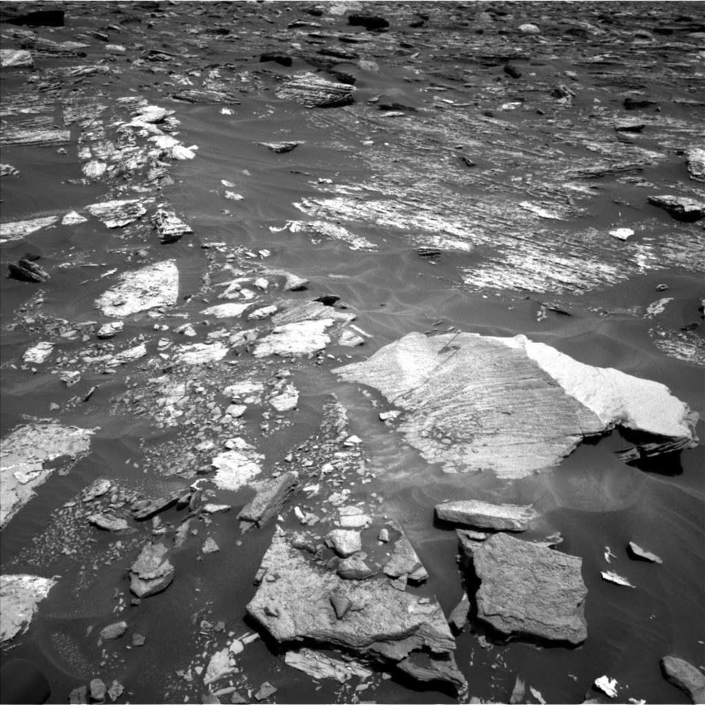 NASA's Mars rover Curiosity acquired this image using its Left Navigation Camera (Navcams) on Sol 1712