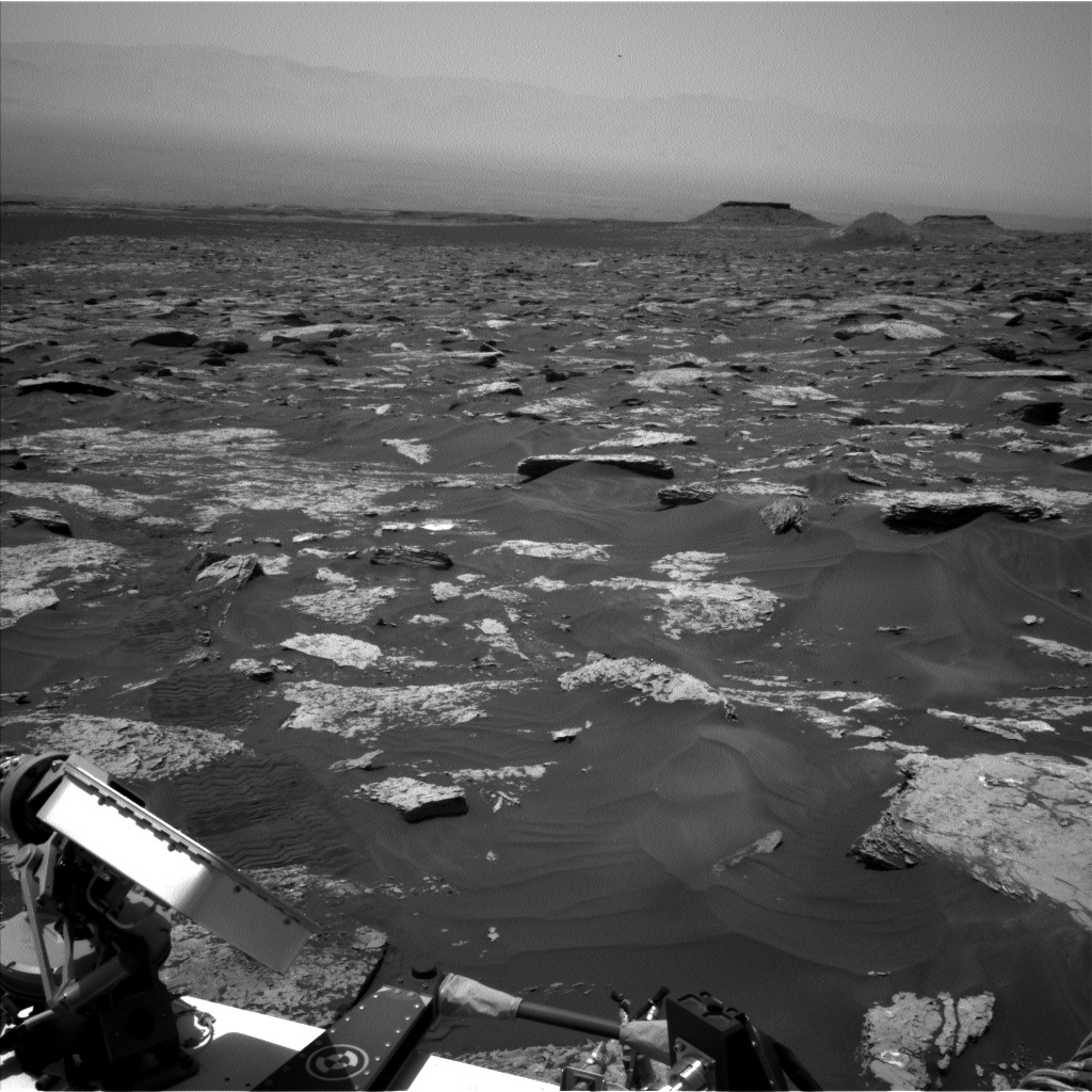 Nasa's Mars rover Curiosity acquired this image using its Left Navigation Camera on Sol 1717, at drive 2372, site number 63