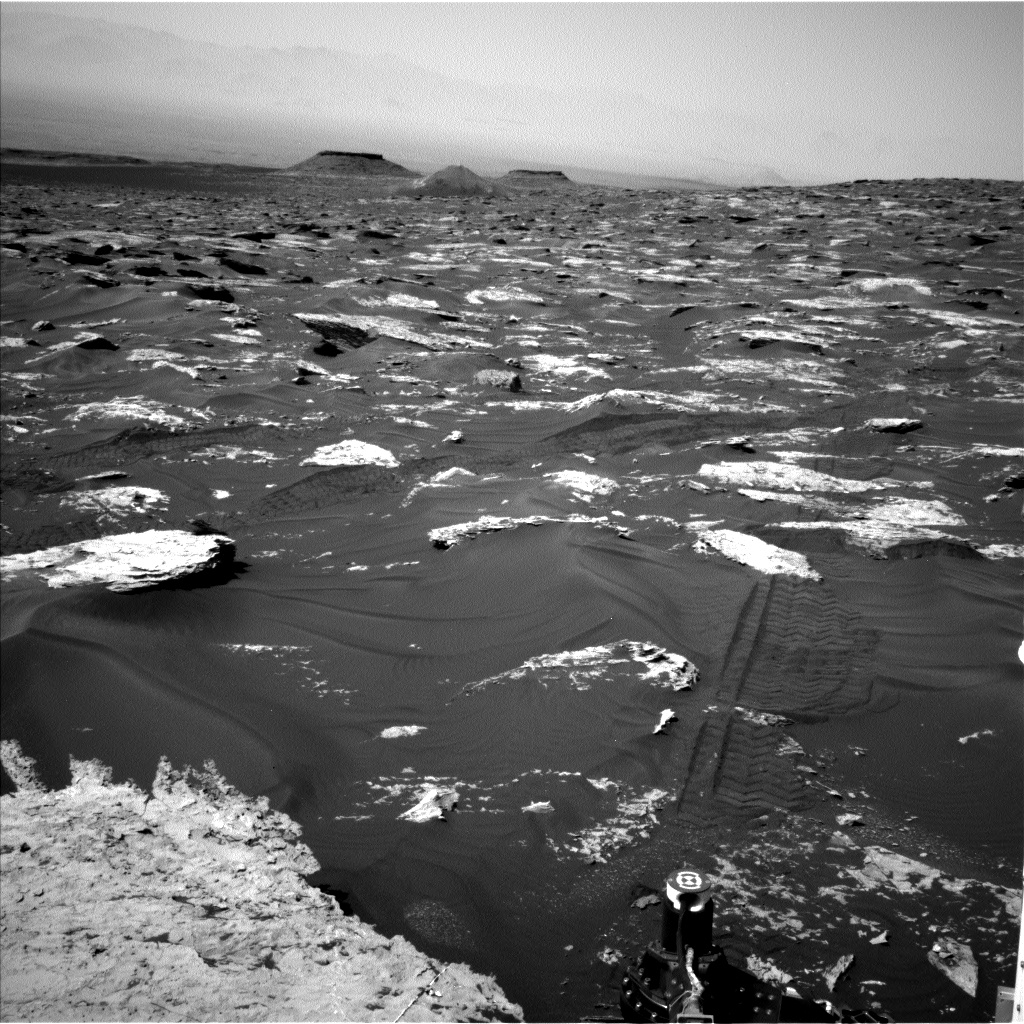 Nasa's Mars rover Curiosity acquired this image using its Left Navigation Camera on Sol 1719, at drive 2672, site number 63