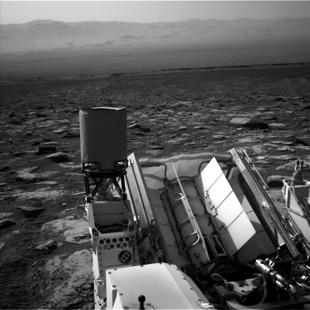 Nasa's Mars rover Curiosity acquired this image using its Left Navigation Camera on Sol 1721, at drive 3092, site number 63