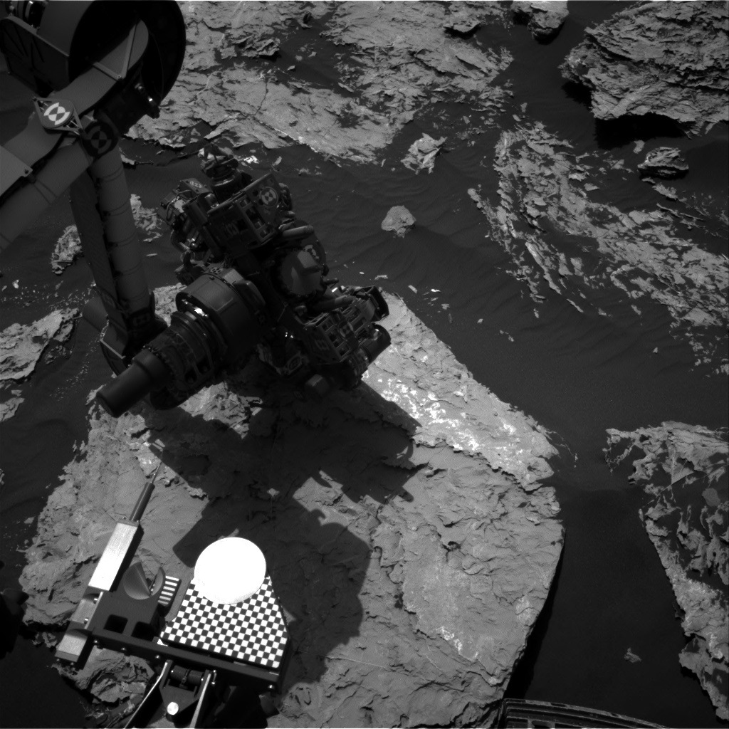 Nasa's Mars rover Curiosity acquired this image using its Right Navigation Camera on Sol 1727, at drive 0, site number 64