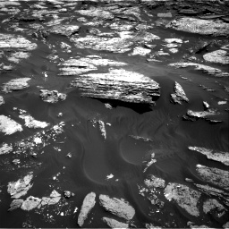 Nasa's Mars rover Curiosity acquired this image using its Right Navigation Camera on Sol 1727, at drive 186, site number 64