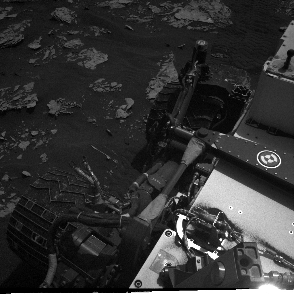 Nasa's Mars rover Curiosity acquired this image using its Right Navigation Camera on Sol 1737, at drive 1194, site number 64