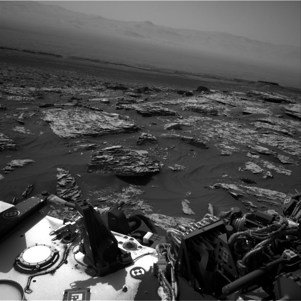 NASA's Mars rover Curiosity acquired this image using its Right Navigation Cameras (Navcams) on Sol 1747
