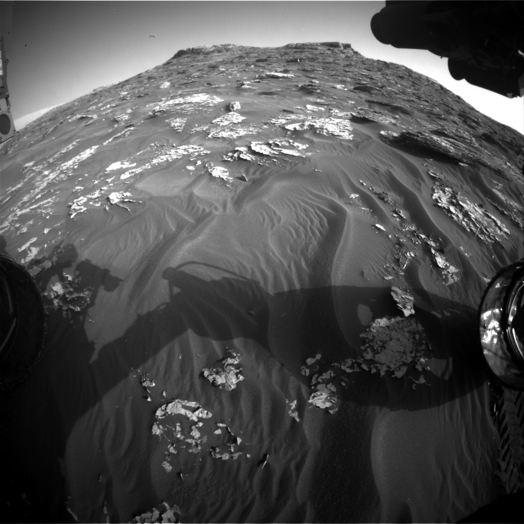 Nasa's Mars rover Curiosity acquired this image using its Front Hazard Avoidance Camera (Front Hazcam) on Sol 1770, at drive 2790, site number 64