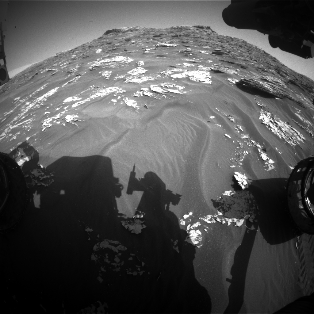 Nasa's Mars rover Curiosity acquired this image using its Front Hazard Avoidance Camera (Front Hazcam) on Sol 1773, at drive 2790, site number 64