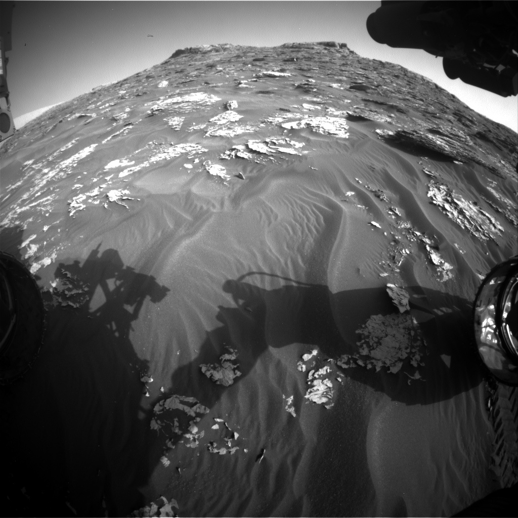 Nasa's Mars rover Curiosity acquired this image using its Front Hazard Avoidance Camera (Front Hazcam) on Sol 1776, at drive 2790, site number 64