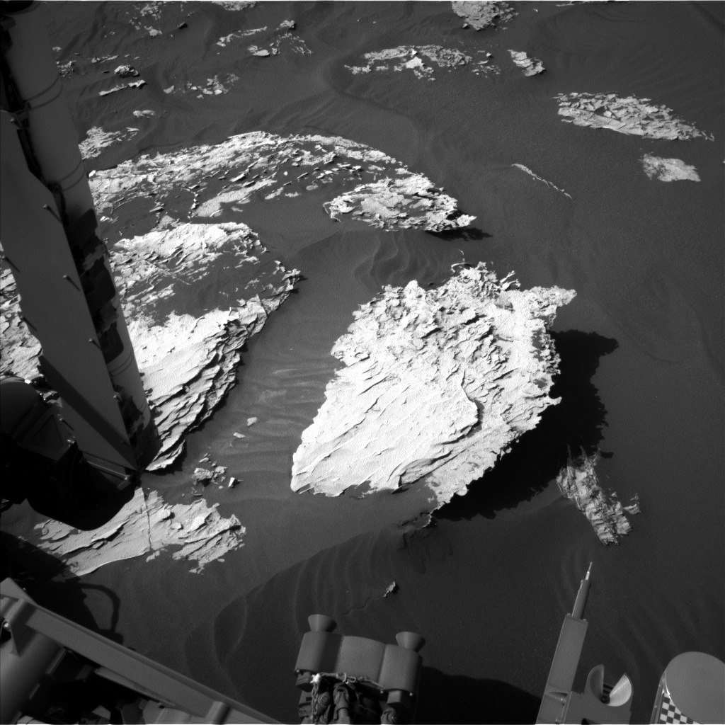 NASA's Mars rover Curiosity acquired this image using its Left Navigation Camera (Navcams) on Sol 1787