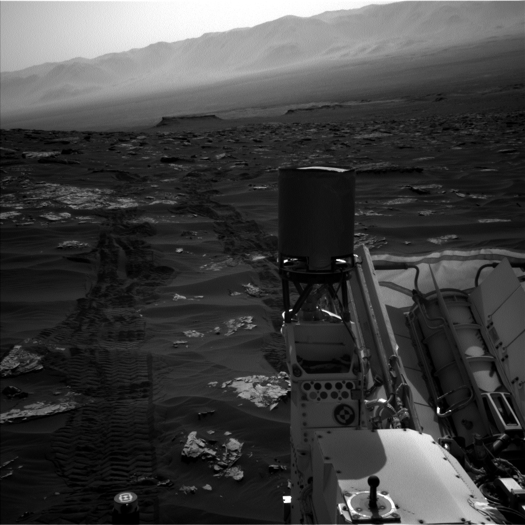 Nasa's Mars rover Curiosity acquired this image using its Left Navigation Camera on Sol 1793, at drive 1438, site number 65