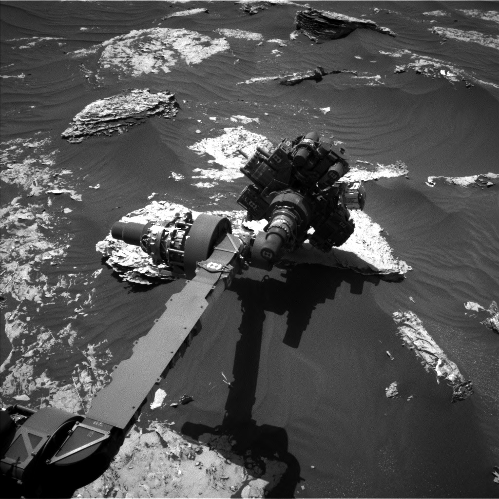 Nasa's Mars rover Curiosity acquired this image using its Left Navigation Camera on Sol 1796, at drive 1934, site number 65
