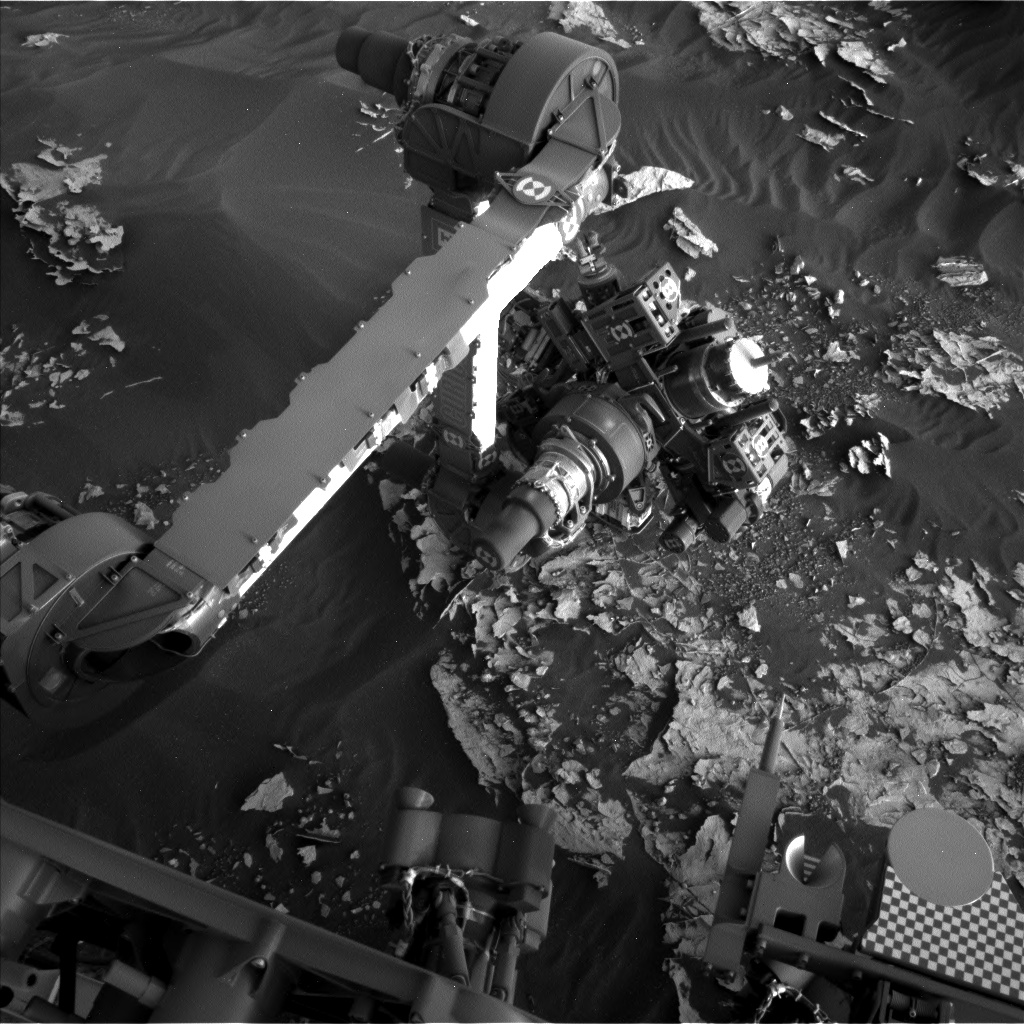 Nasa's Mars rover Curiosity acquired this image using its Left Navigation Camera on Sol 1797, at drive 2186, site number 65