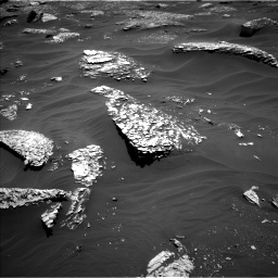 Nasa's Mars rover Curiosity acquired this image using its Left Navigation Camera on Sol 1799, at drive 2318, site number 65