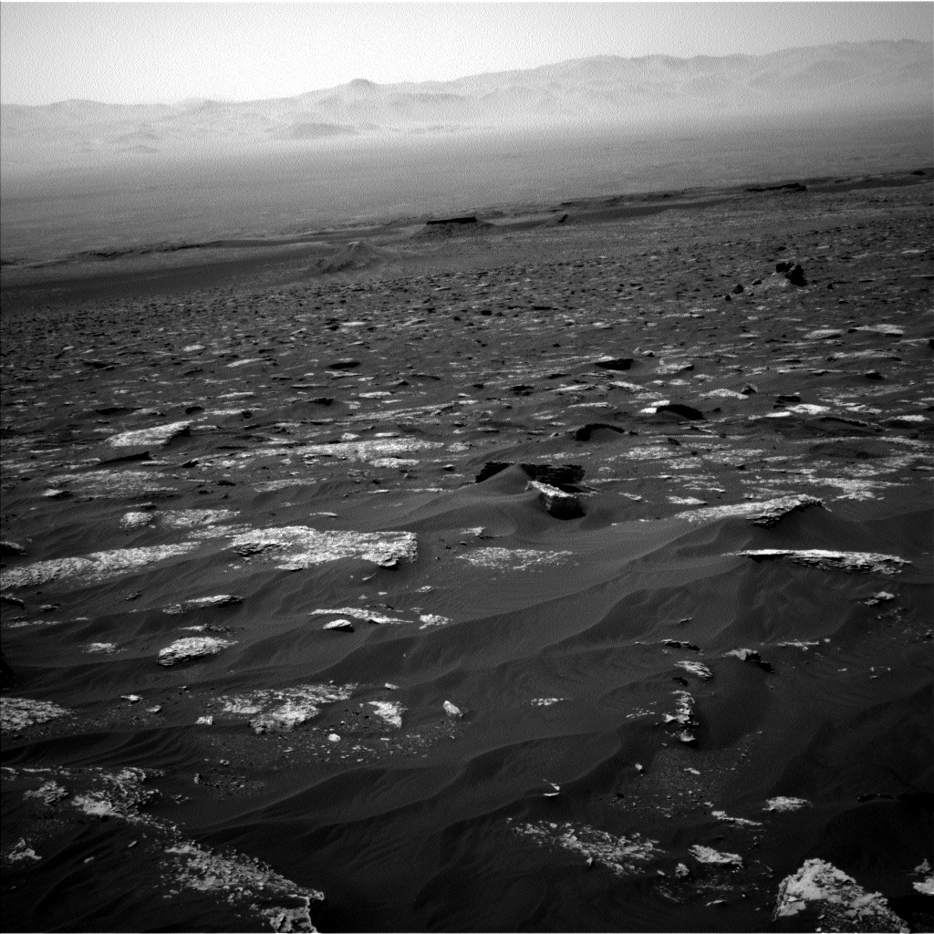 Nasa's Mars rover Curiosity acquired this image using its Left Navigation Camera on Sol 1799, at drive 2456, site number 65