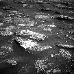 Nasa's Mars rover Curiosity acquired this image using its Left Navigation Camera on Sol 1800, at drive 2540, site number 65
