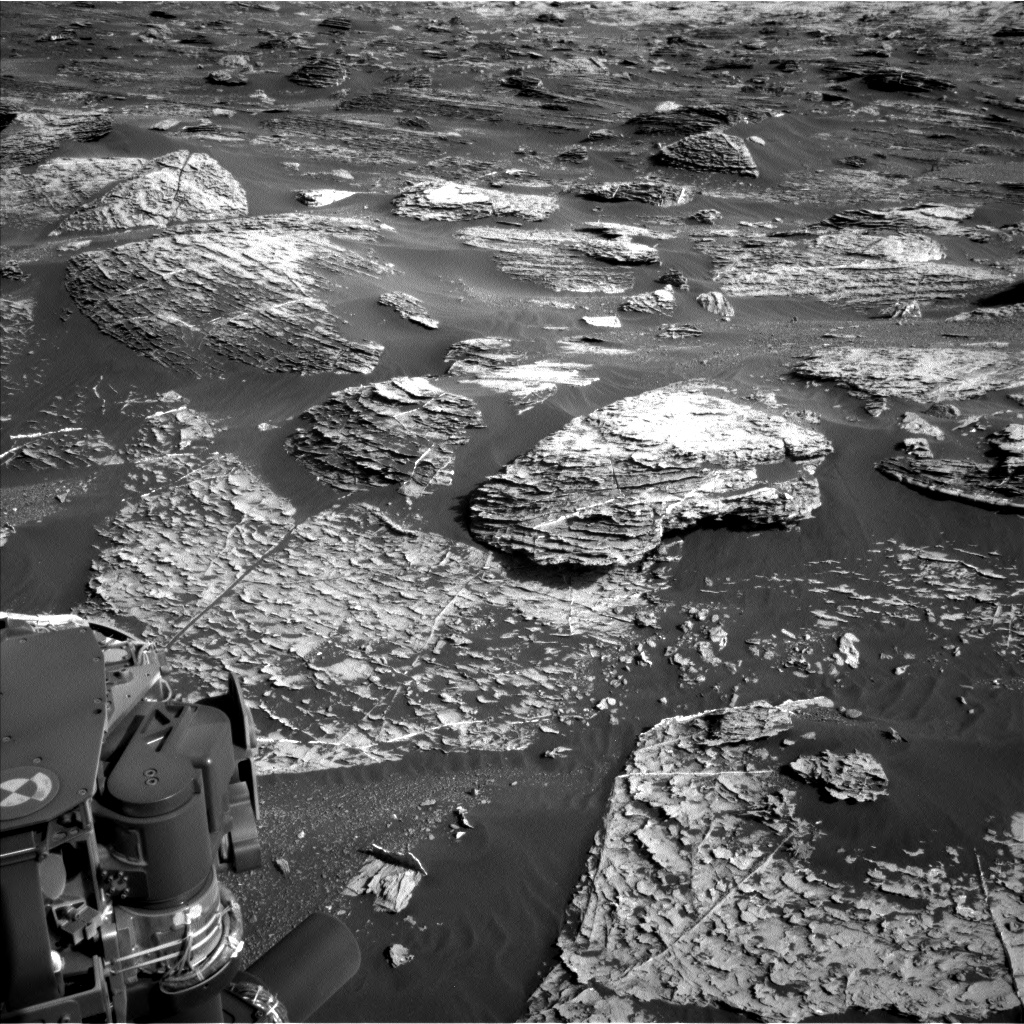 Nasa's Mars rover Curiosity acquired this image using its Left Navigation Camera on Sol 1800, at drive 2720, site number 65
