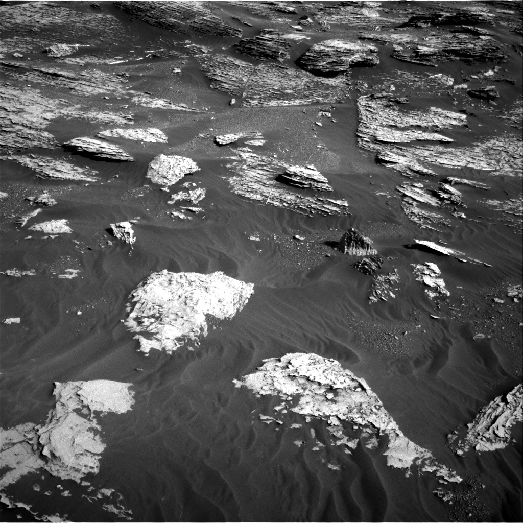 Nasa's Mars rover Curiosity acquired this image using its Right Navigation Camera on Sol 1800, at drive 2672, site number 65
