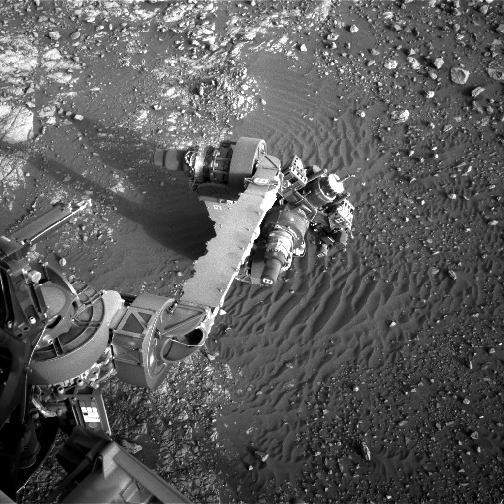 Nasa's Mars rover Curiosity acquired this image using its Left Navigation Camera on Sol 1902, at drive 1238, site number 67
