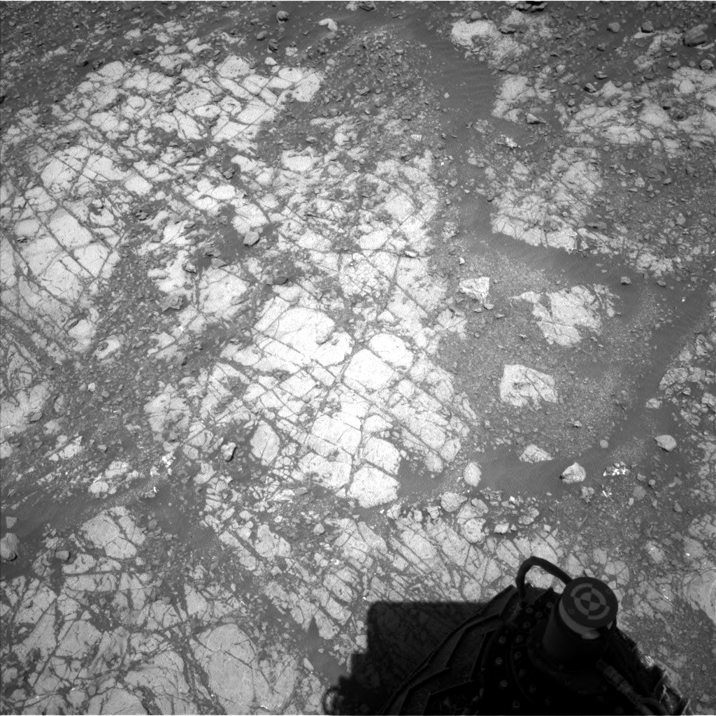 Nasa's Mars rover Curiosity acquired this image using its Left Navigation Camera on Sol 1917, at drive 1762, site number 67
