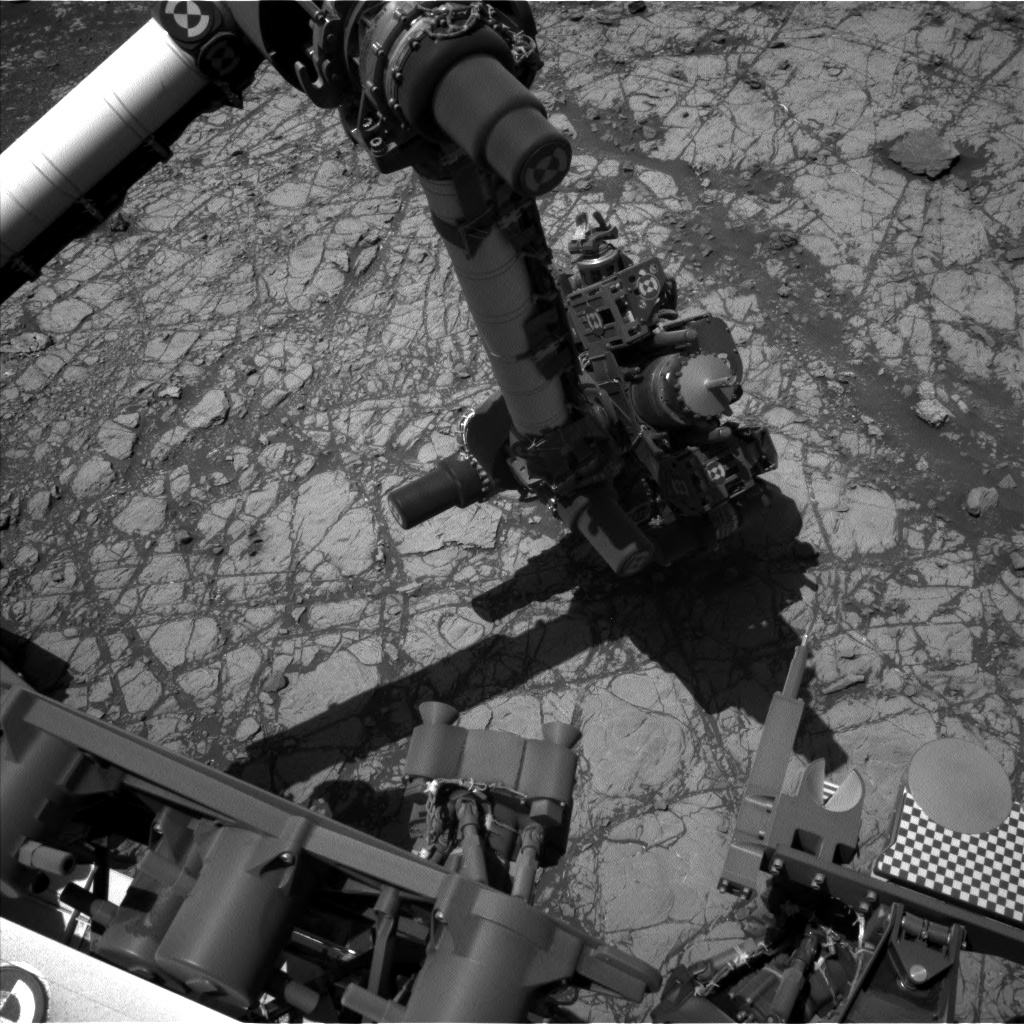 Nasa's Mars rover Curiosity acquired this image using its Left Navigation Camera on Sol 1922, at drive 1762, site number 67