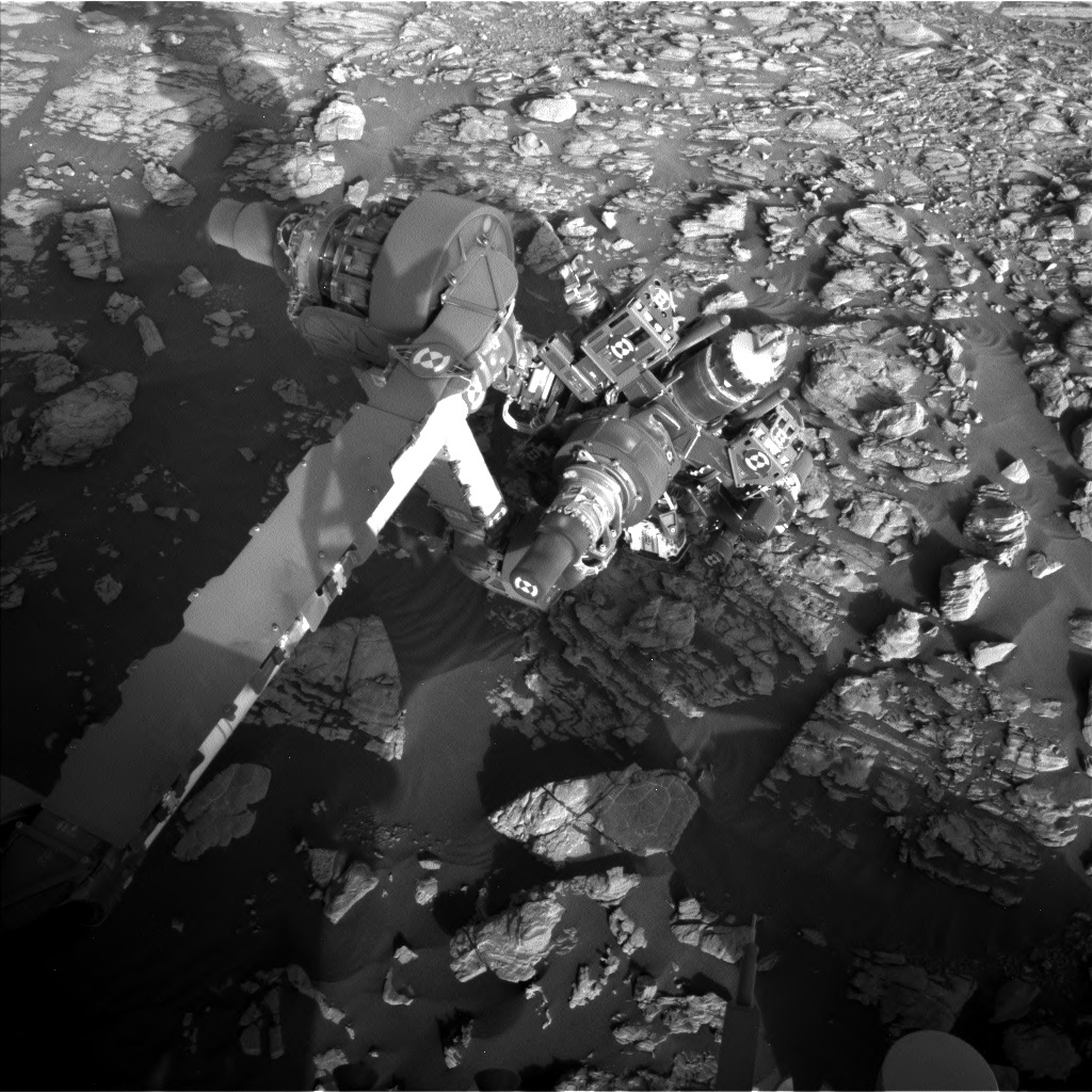 NASA's Mars rover Curiosity acquired this image using its Left Navigation Camera (Navcams) on Sol 1925