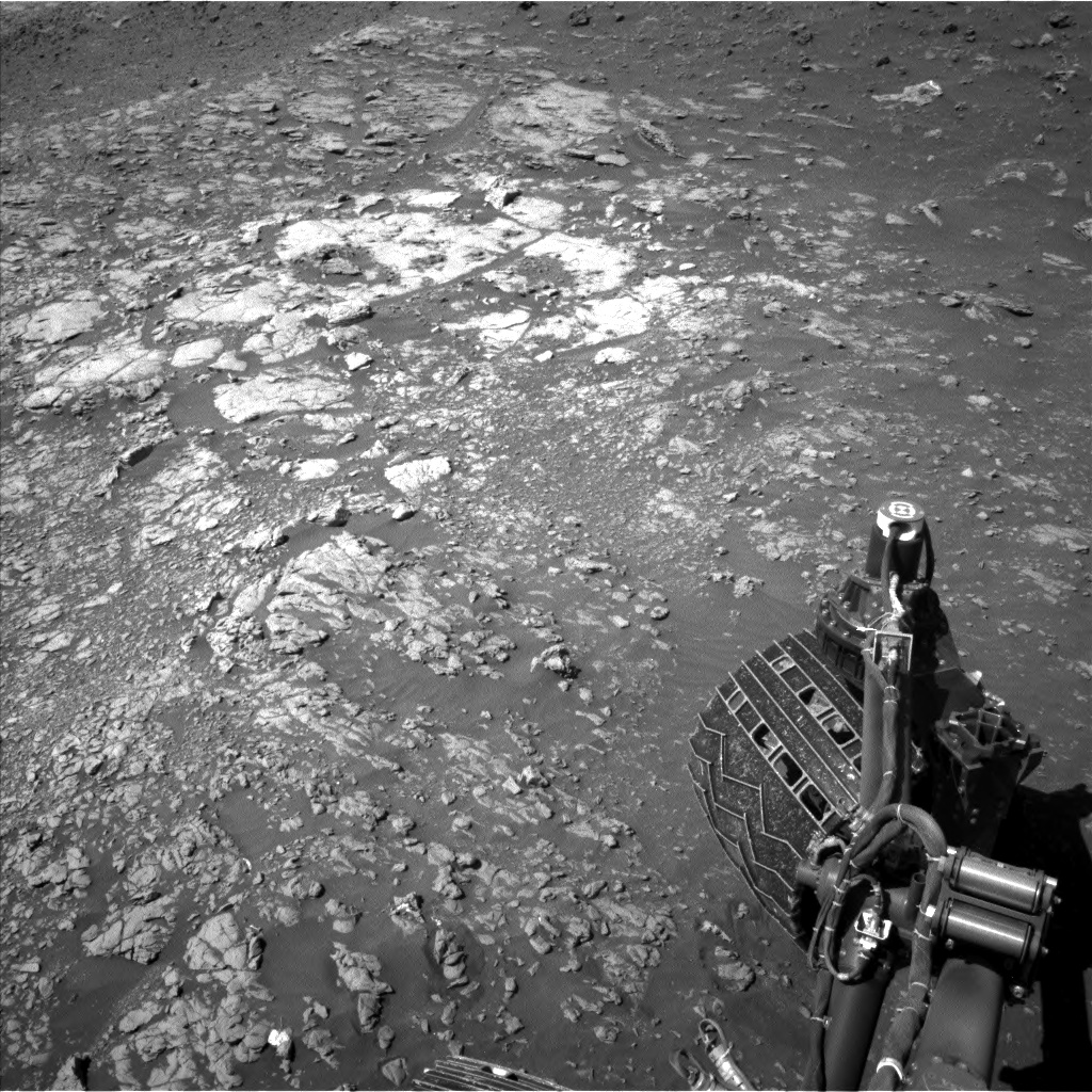 Nasa's Mars rover Curiosity acquired this image using its Left Navigation Camera on Sol 1949, at drive 3280, site number 67