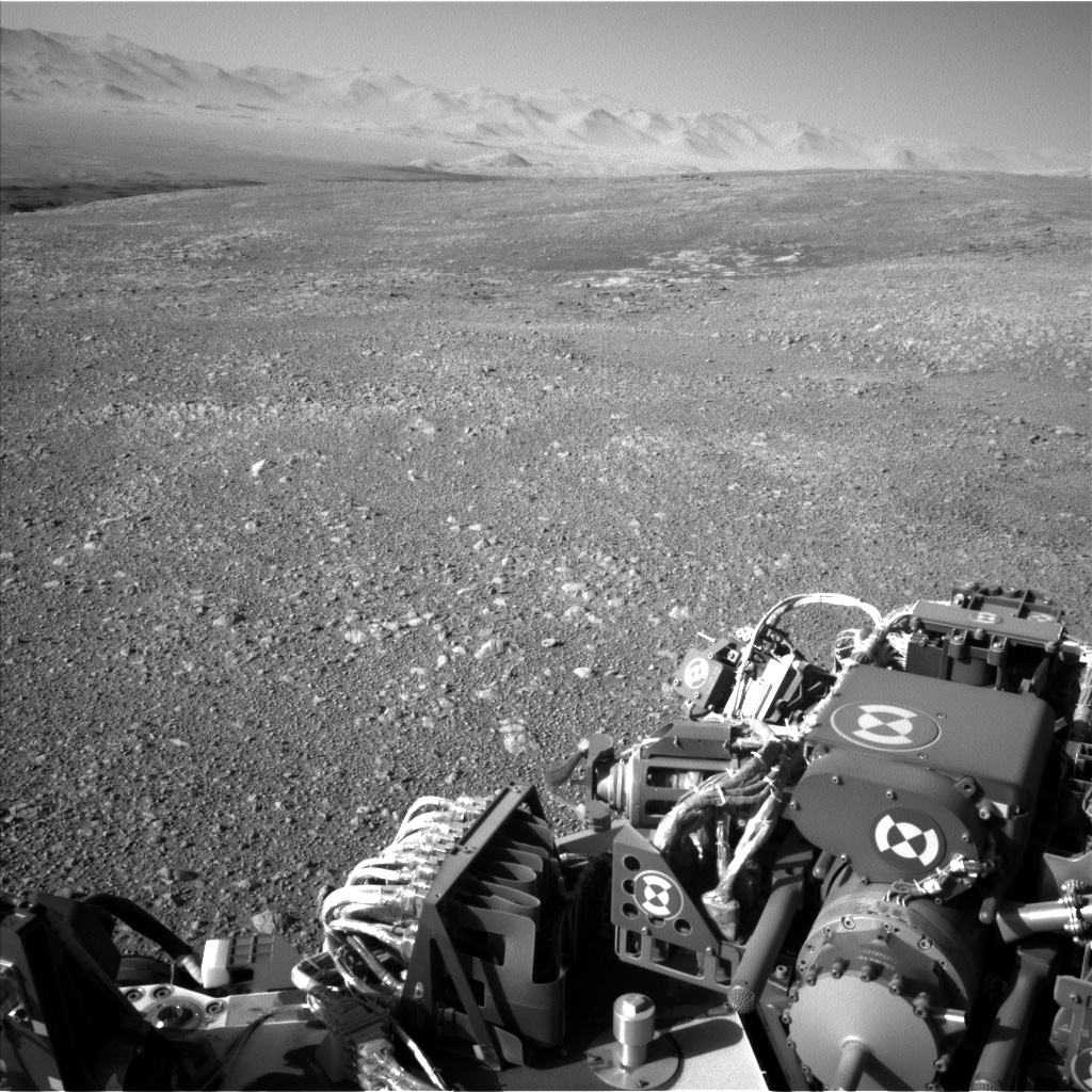 NASA's Mars rover Curiosity acquired this image using its Left Navigation Camera (Navcams) on Sol 1950