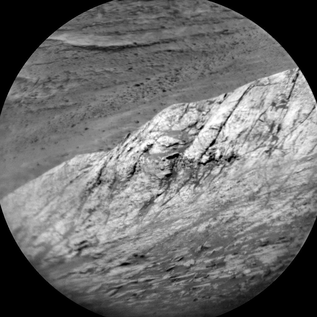 Sol 1957-1958: Onward towards gray patch