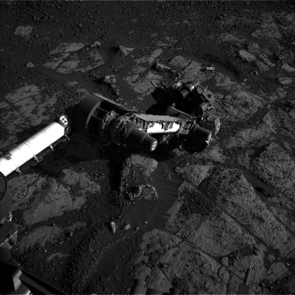 Nasa's Mars rover Curiosity acquired this image using its Left Navigation Camera on Sol 1975, at drive 580, site number 68