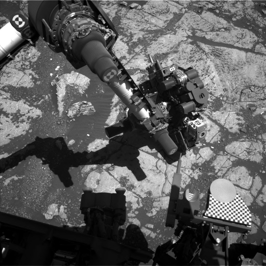 NASA's Mars rover Curiosity acquired this image using its Left Navigation Camera (Navcams) on Sol 1982