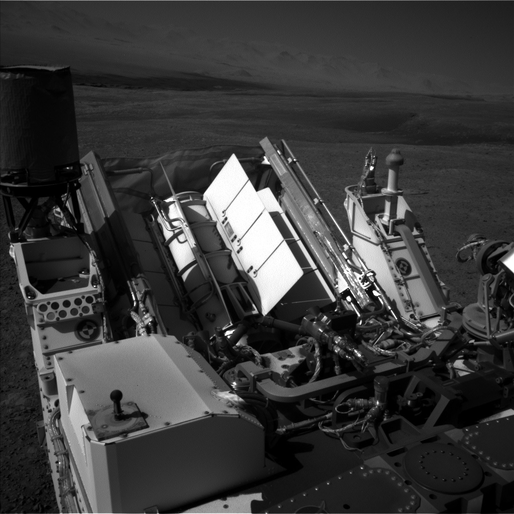 Nasa's Mars rover Curiosity acquired this image using its Left Navigation Camera on Sol 1985, at drive 772, site number 68