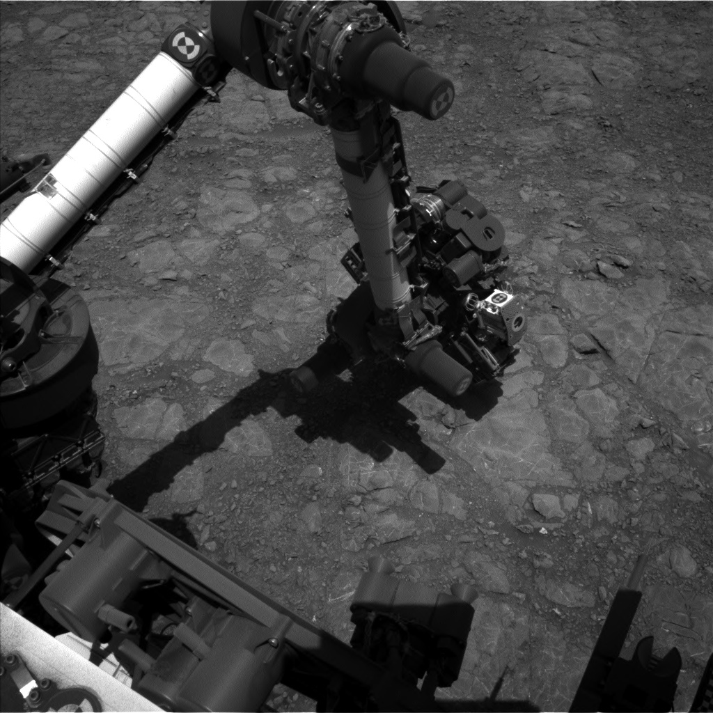 Nasa's Mars rover Curiosity acquired this image using its Left Navigation Camera on Sol 1993, at drive 1816, site number 68
