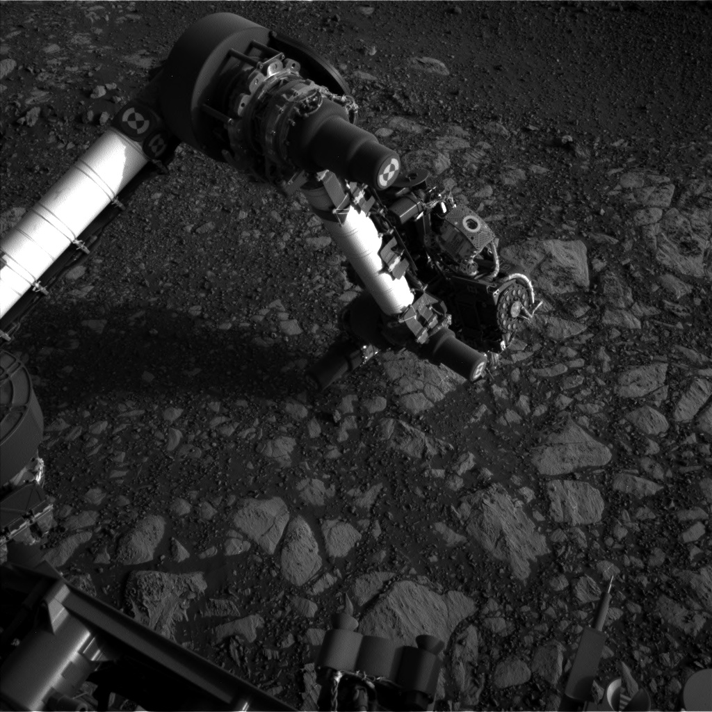 Nasa's Mars rover Curiosity acquired this image using its Left Navigation Camera on Sol 2013, at drive 1384, site number 69