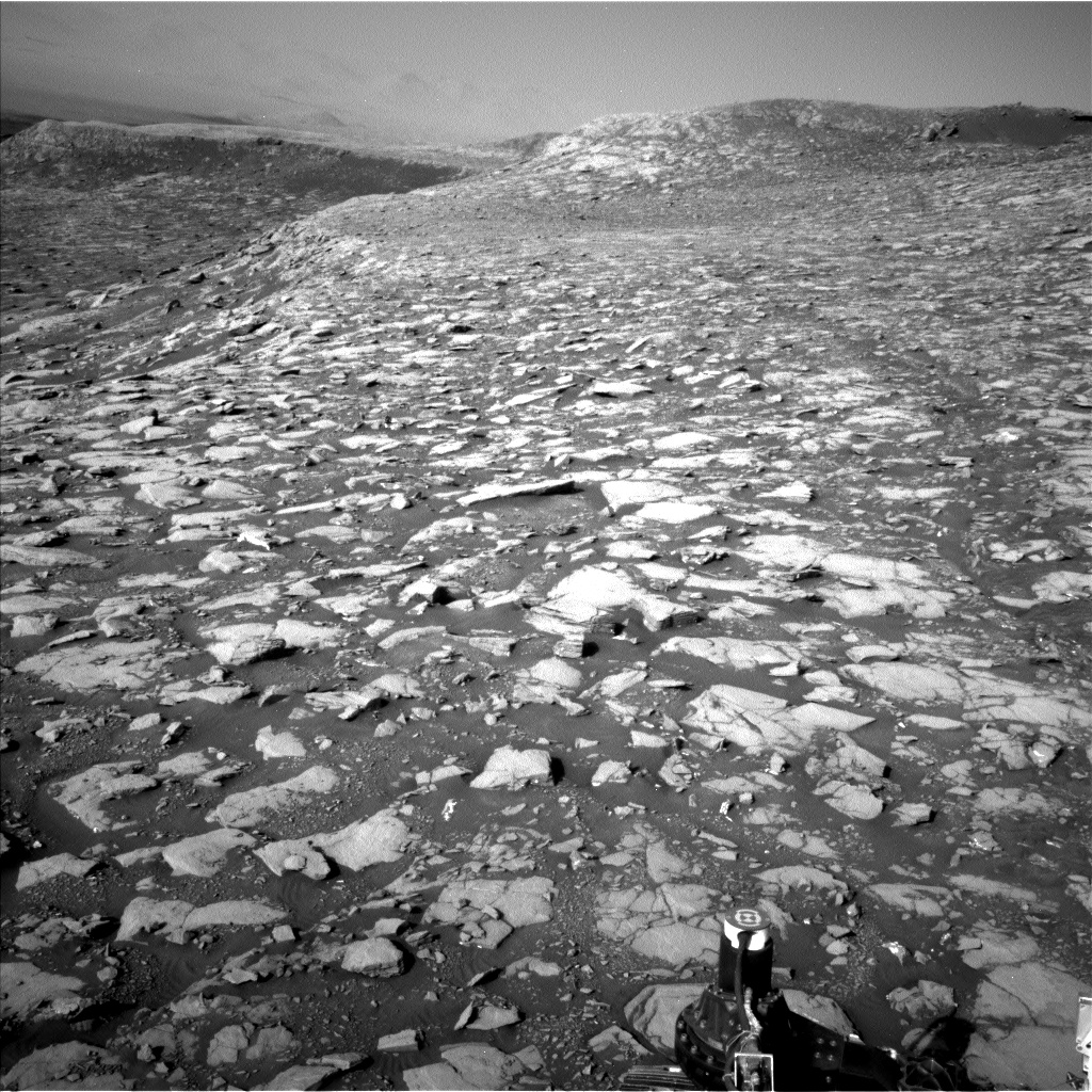 Nasa's Mars rover Curiosity acquired this image using its Left Navigation Camera on Sol 2040, at drive 886, site number 70