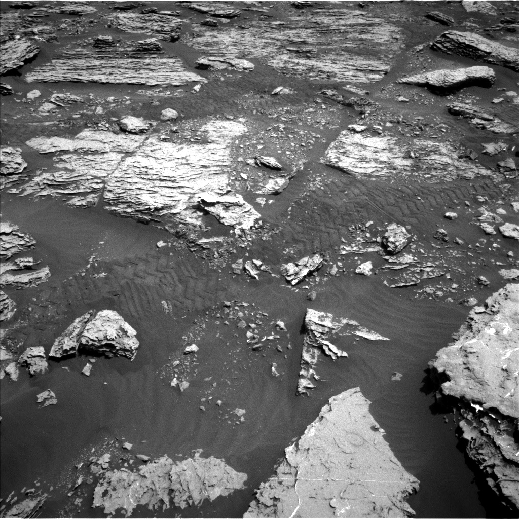 Nasa's Mars rover Curiosity acquired this image using its Left Navigation Camera on Sol 2051, at drive 1554, site number 70