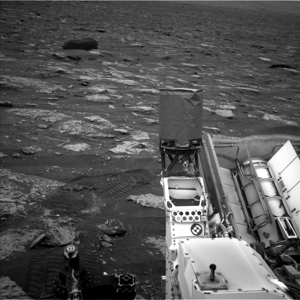 Nasa's Mars rover Curiosity acquired this image using its Left Navigation Camera on Sol 2086, at drive 60, site number 71