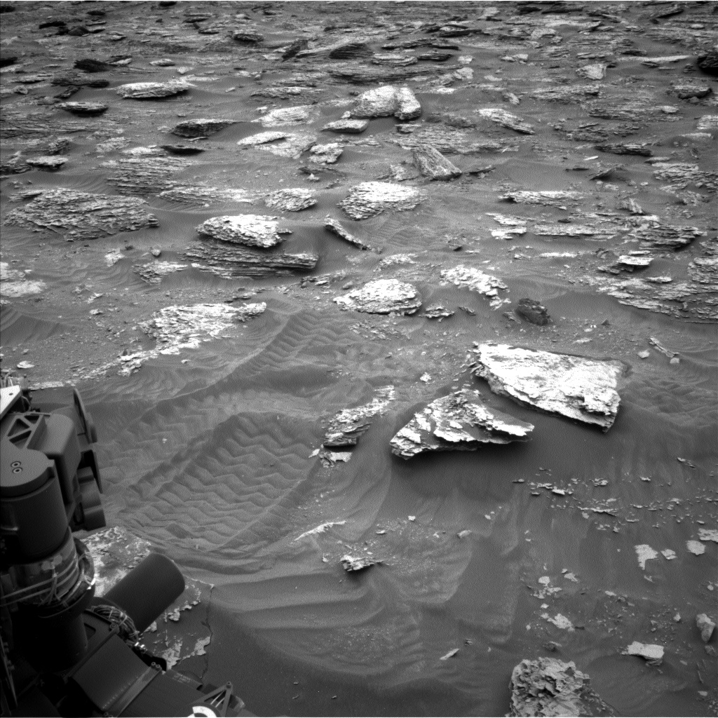 Nasa's Mars rover Curiosity acquired this image using its Left Navigation Camera on Sol 2087, at drive 66, site number 71