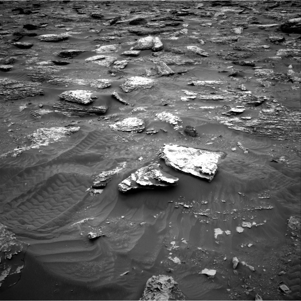 NASA's Mars rover Curiosity acquired this image using its Right Navigation Cameras (Navcams) on Sol 2087