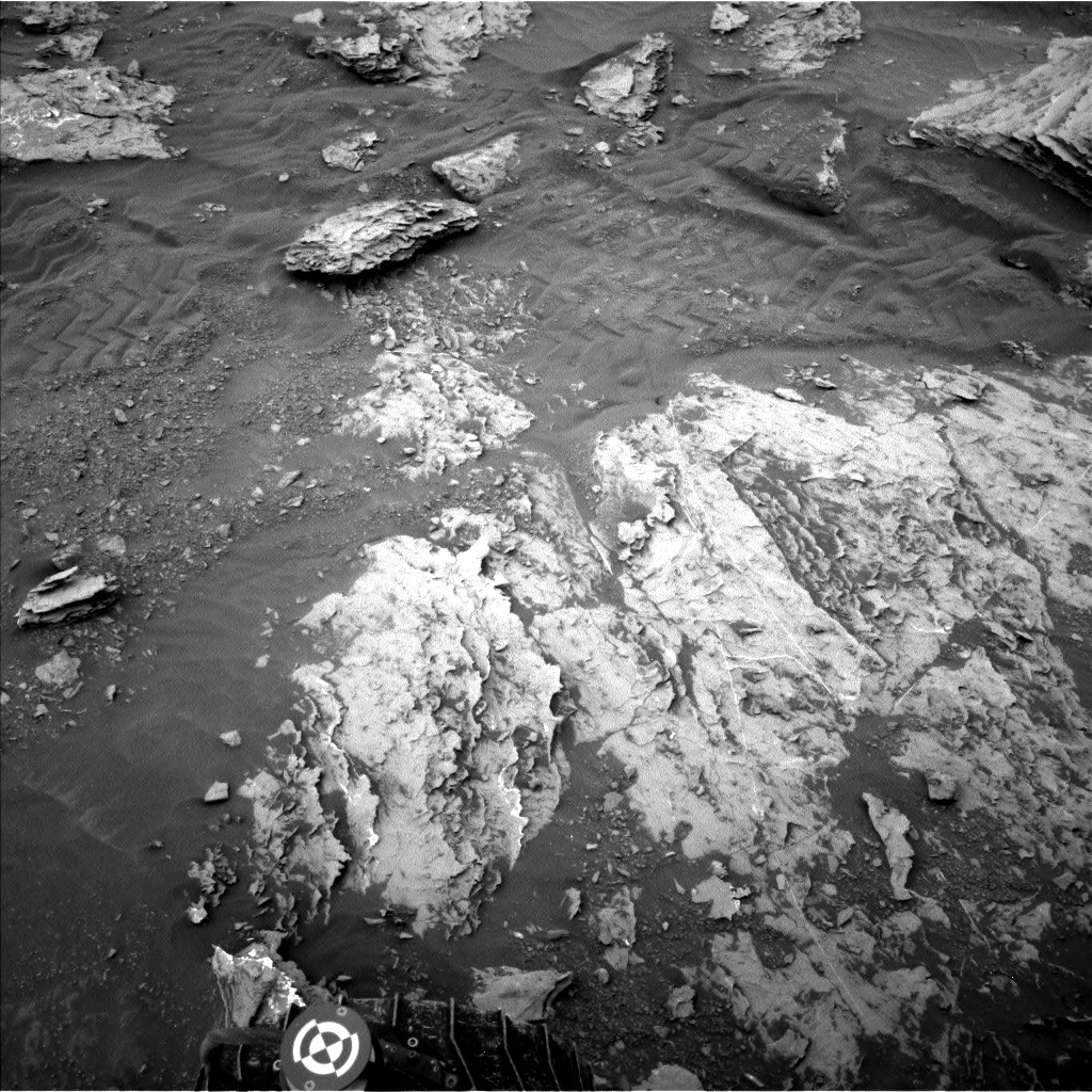 Nasa's Mars rover Curiosity acquired this image using its Left Navigation Camera on Sol 2092, at drive 570, site number 71