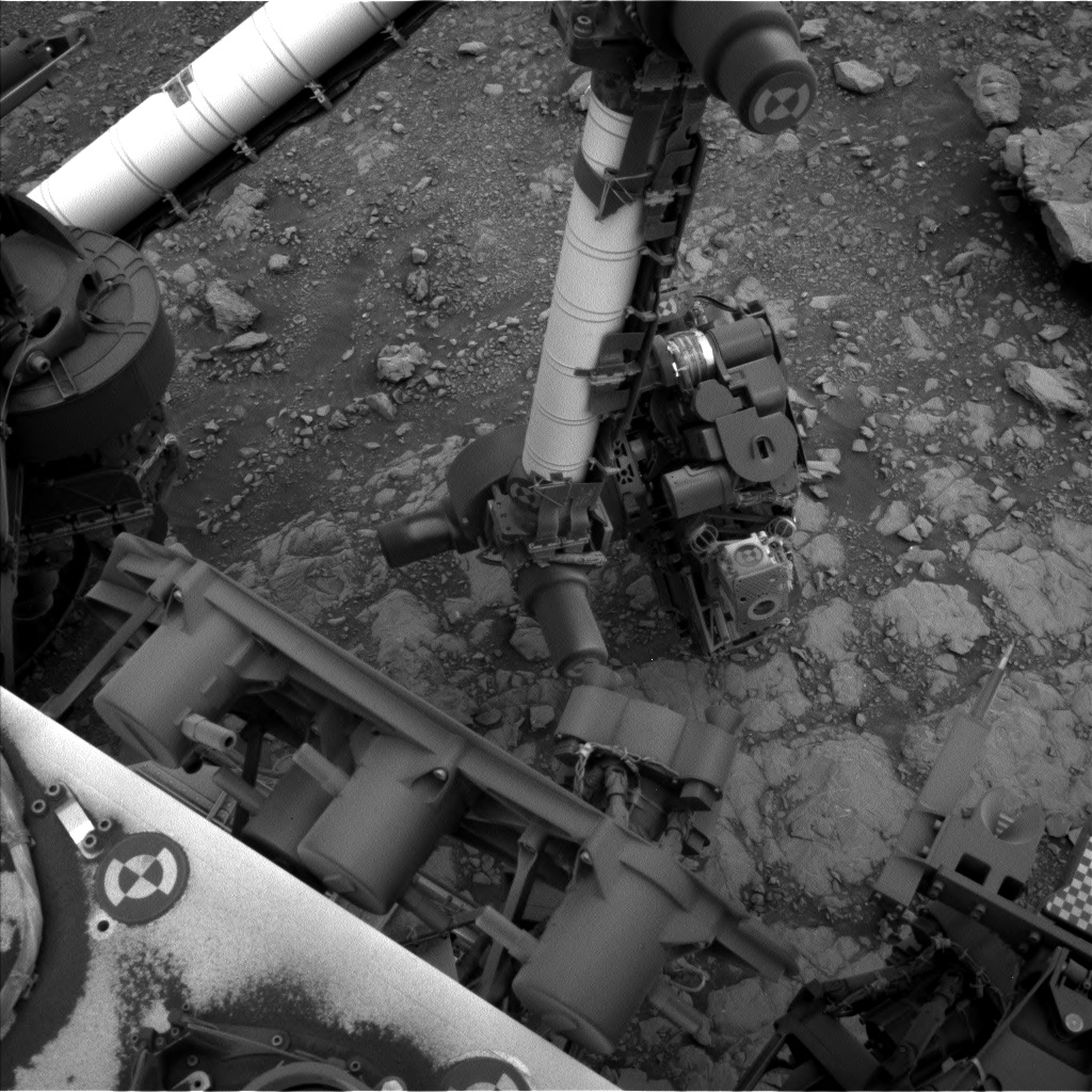 Nasa's Mars rover Curiosity acquired this image using its Left Navigation Camera on Sol 2107, at drive 2350, site number 71