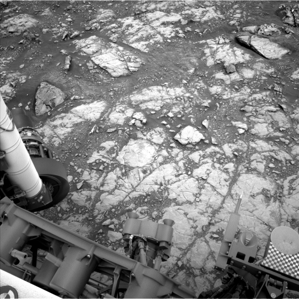 Nasa's Mars rover Curiosity acquired this image using its Left Navigation Camera on Sol 2112, at drive 2876, site number 71
