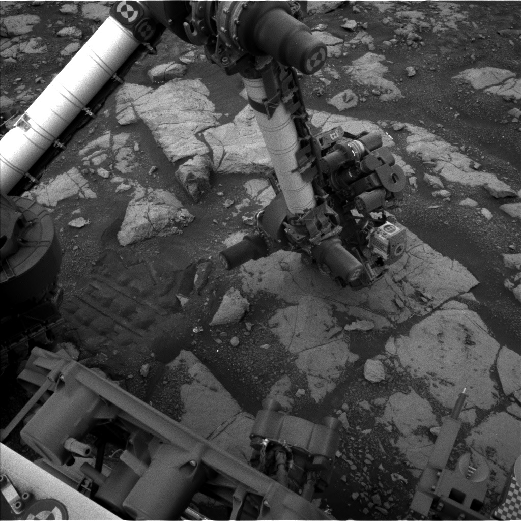 Nasa's Mars rover Curiosity acquired this image using its Left Navigation Camera on Sol 2121, at drive 386, site number 72