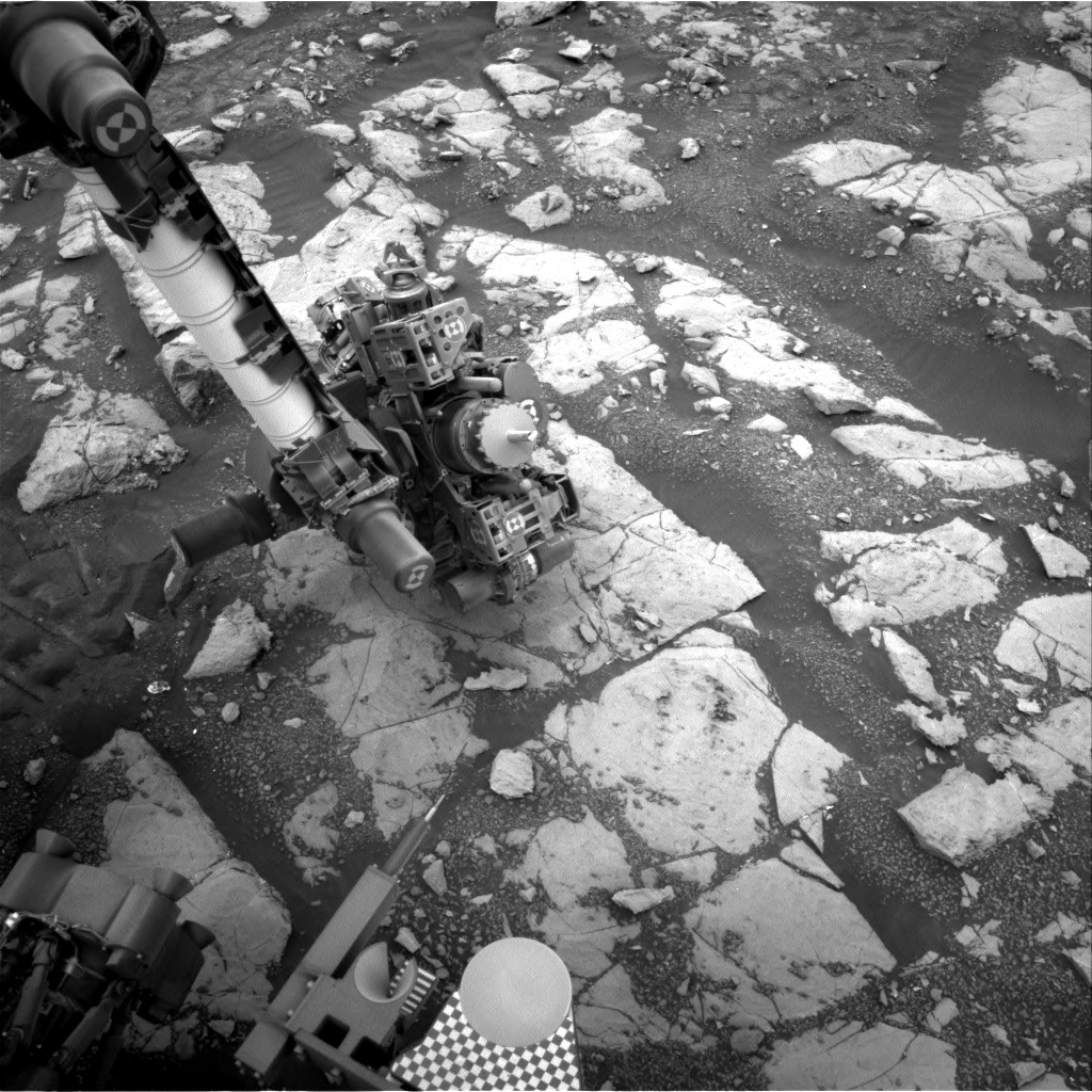 NASA's Mars rover Curiosity acquired this image using its Right Navigation Cameras (Navcams) on Sol 2122